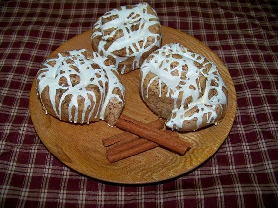 3 Cinnamon Buns Fake Food Rustic Country Kitchen Decor