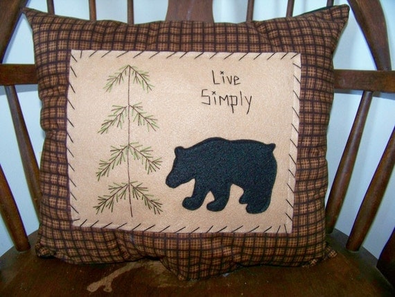 Black Bear Pillow Primitive Stitchery Rustic Cabin Decor Lodge