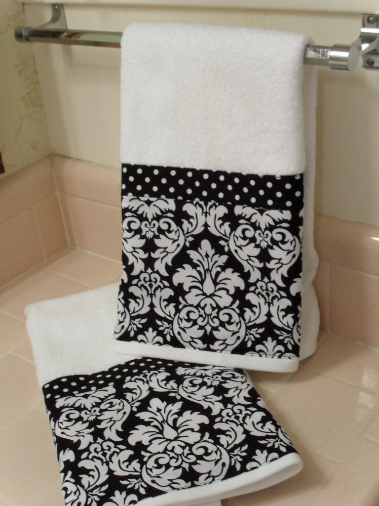 Black damask bath hand towels set of 2 for Black white bathroom set