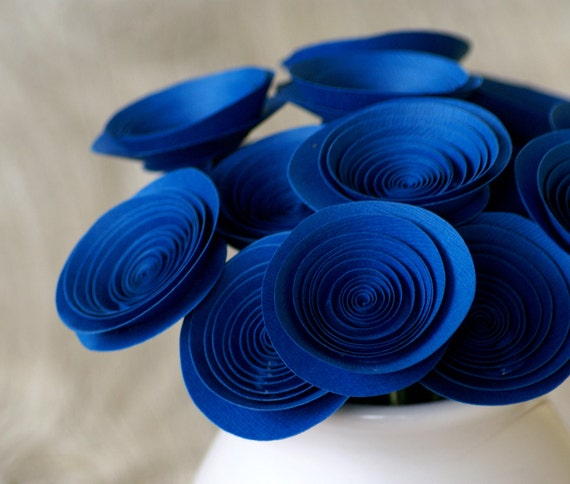 Holiday Blue Paper Flowers; Hanuhhak Centerpiece; Hostess Gift; Holiday Decor; Medium-size Paper Flowers