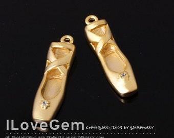 P936 Matt Gold plated, toe-shoes mini charm, 2pcs
