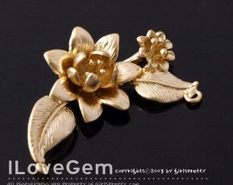 NP-1105 Matt Gold plated over Brass, Flower pendant, 2pcs