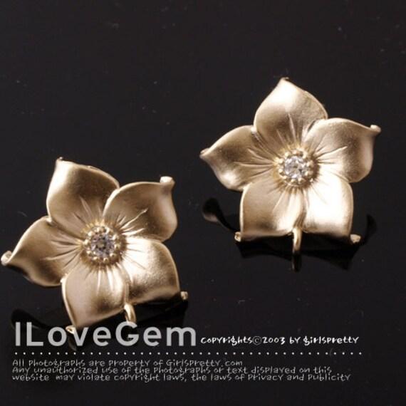 NP-1256 Matt Gold plated, Flower earring, 925 sterling silver post, 2pcs