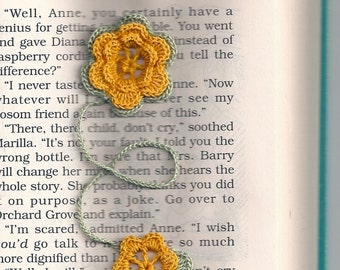 Blooming Bookmark - Instant Download Digital File - Crochet Pattern PDF
