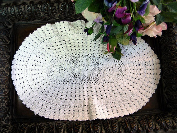 Spiral Crocheted Doily Crisp and White Oval 6062