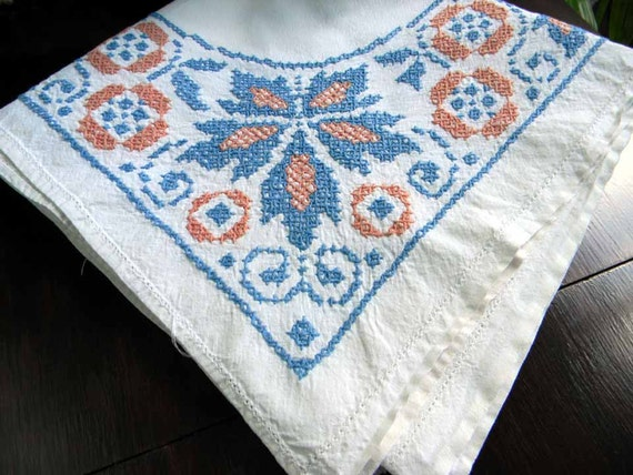 Vintage Linen Tablecloth Cross Stitched Embroidered Table Cloth 4315