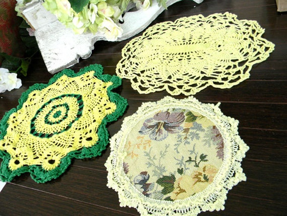 3 Colorful Doilies in Yellows - 7350