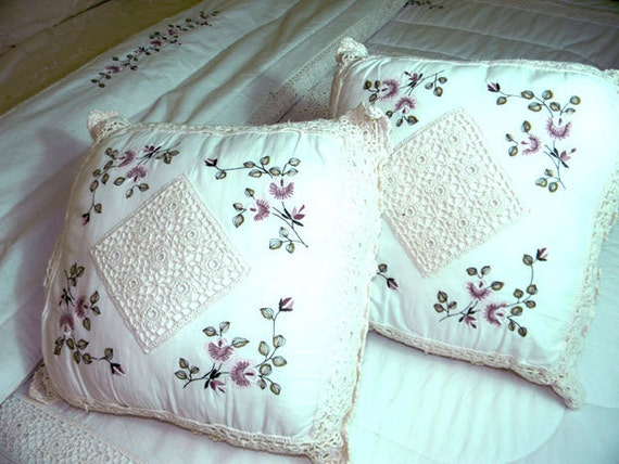 Vintage King Comforter or Duvet with 2 Accent Pillows - Machine Embroidered and Crocheted 7490