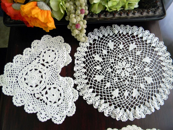 4 Beautiful Vintage Assorted Crocheted Doilies in Shades of White 7624