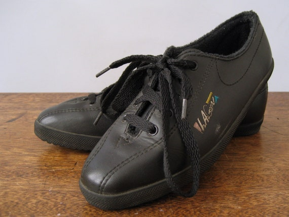 LA Gear Sneakers Black Leather - Size 6