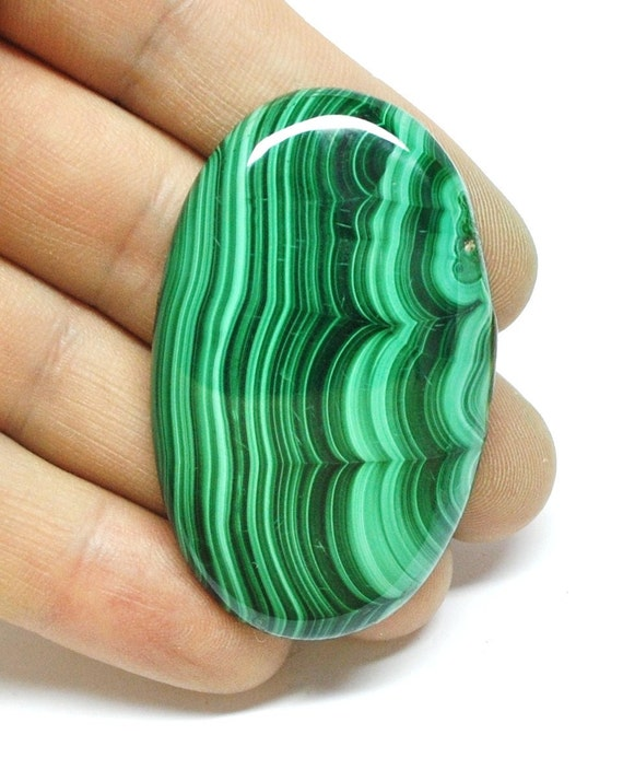 Malachite Cabochon, Green, Oval - AAA - 53.1 x 32.7 x 6.5 mm - 139.1 ct - 110808-02