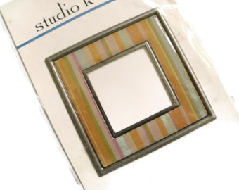 Studio K Metal Art Square Frame