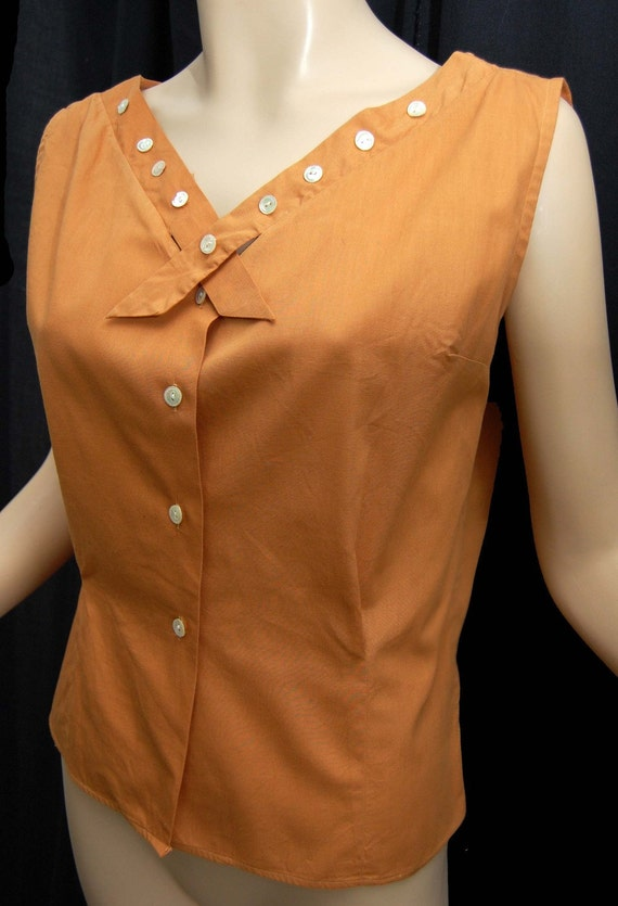 Sweet 50s 60s Vintage Cotton Sleeveless Summer Top in Pumpkin with Pearlized Button Accents