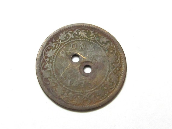 Antique 1913 British India King George V one quarter coin old bead clasp
