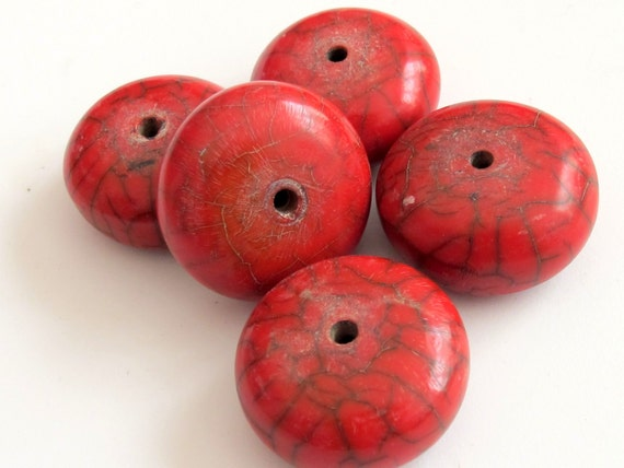 2 beads - Red crackle resin horn beads large size 32 mm -  BD138