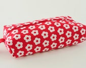 Wet wipe case  - red and white retro flower