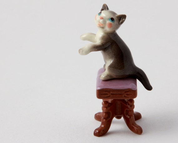 Grey Cat on Piano Bench Figurine - Hagen Renaker Animal Miniature