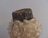 Vintage 1950s Ladies Elegant Brocade Black Pill Box Hat
