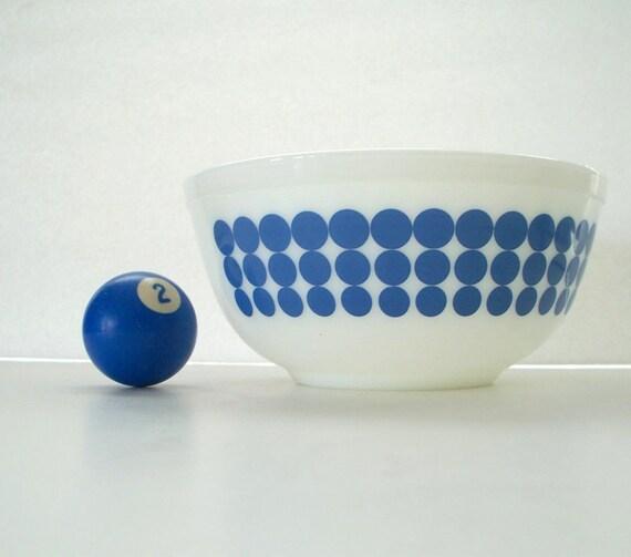 Blue Polka Dot Pyrex Bowl 2.5 Quart