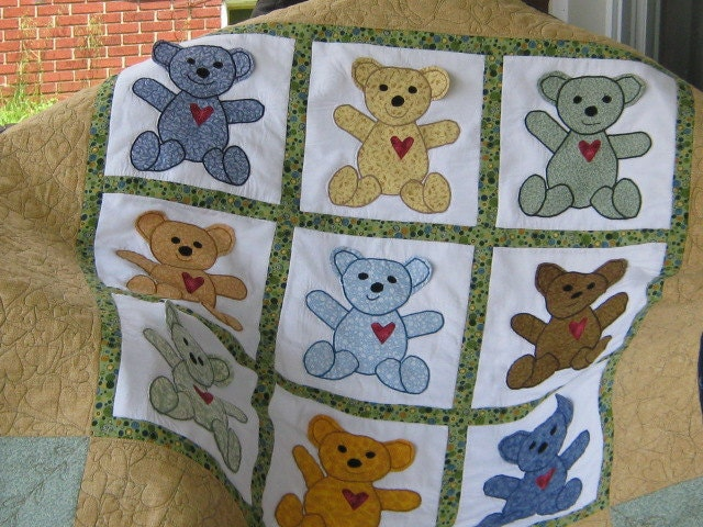Teddy Bear Applique d Quilt-CUSTOM ORDER ONLY
