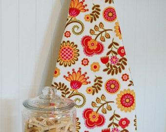 Designer Ironing Board Cover - Ooh La La Bouquet De Fleurs Spice White