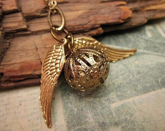 Snitch Necklace, Friendship Necklace, Gift Ideas, Handmade, Wing Necklace