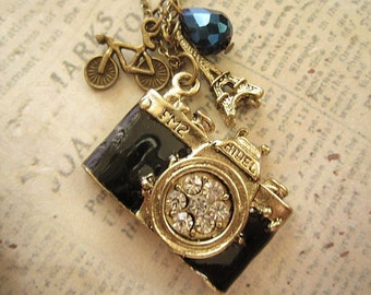Snapshots of Paris. a camera necklace
