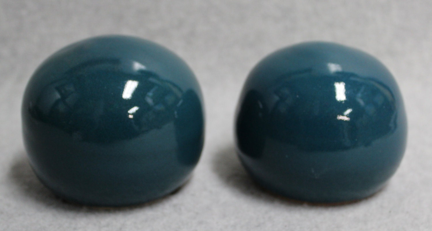 Amazing Salt And Pepper Shakers Teal Color By Julianopottery