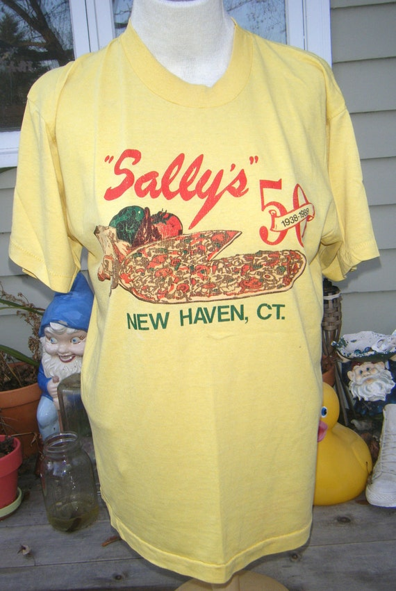 Sally's Pizza New Haven CT vintage 1988 T SHIRT L tee