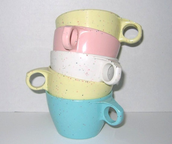 Vintage 1950s Pastel Speckled Plastic Cups by Imperial Ware