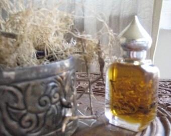 The Green Mantle botanical perfume 1/2 oz