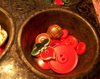 15 Vintage Assortment of Radish Red Buttons - Get your garden going.
