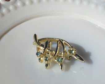 Vintage Brooch- GOOD LUCK - wishbones with peridot green rhinestones - St Patrick