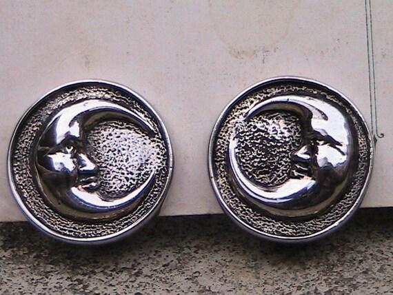 Vintage Crescent Moon Ear Rings in Silver Tone Metal - Clip Ear Rings