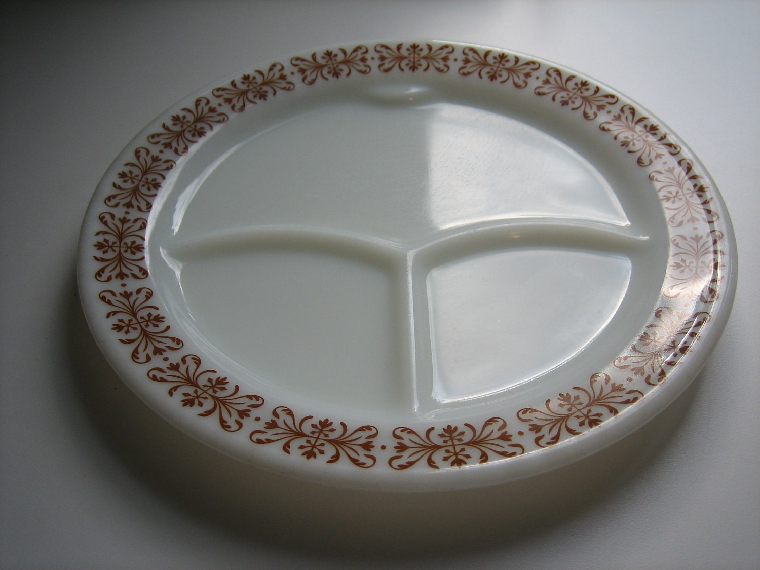 Vintage Pyrex-Corning divided plates set of 2 Brown boarder