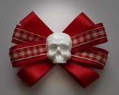 A Deadly Picnic - Skull Bow Hair Clip