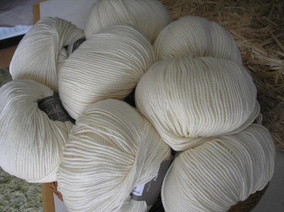 S A L E   Cashmere Merino Silk DK Yarn Vanilla