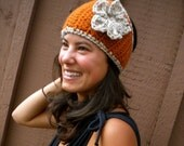 Headwarmer With Flower and Button, Rust and Oatmeal, Lions Brand Yarn