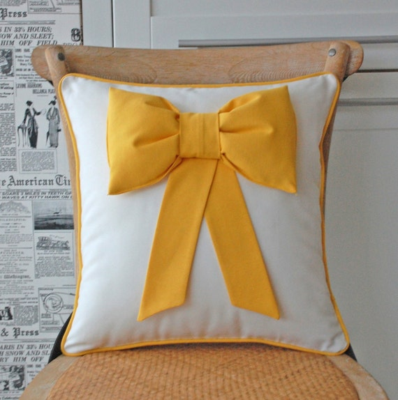 PUFFY Yellow bow