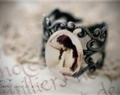 Filigree retro ring with vintage actress photography
