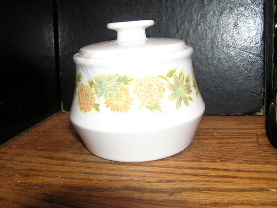 Simply Retro Noritake Progression Sunny side Sugar Bowl with Lid