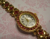 SALE  SALE  SALE  Avon Vintage Pink Crystal Golden Heart Band Watch New Item 1