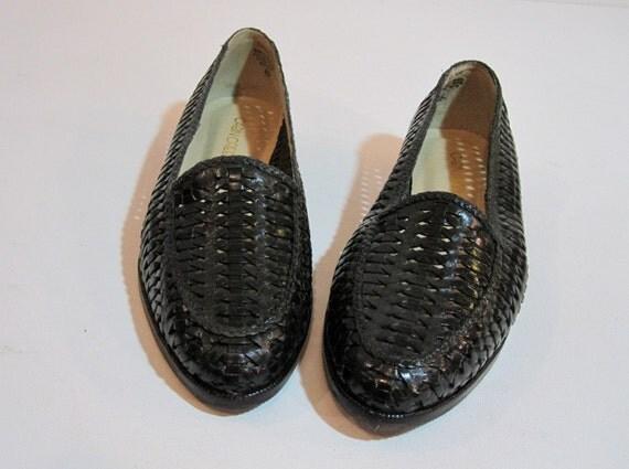 VintageGreen Leather Flats, Vintage Basket Woven Emerald Size 9 Slip Ons SALE