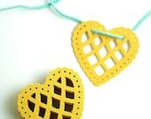 Golden Heart Doily Garland Kit
