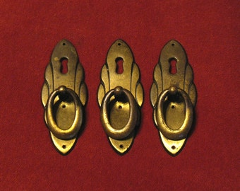 Vintage Keyhole Drawer Pulls - Large Brass Furniture Decor -  Elegant Escutcheon Drawer Pull / Handle / Knob - Set of 3. (L-1)