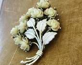 vintage IVORY BOUQUET floral brooch