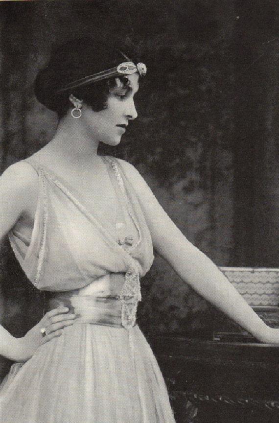 1916 Photo Illustration Beautiful Woman Victorian Edwardian Era in gorgeous dress