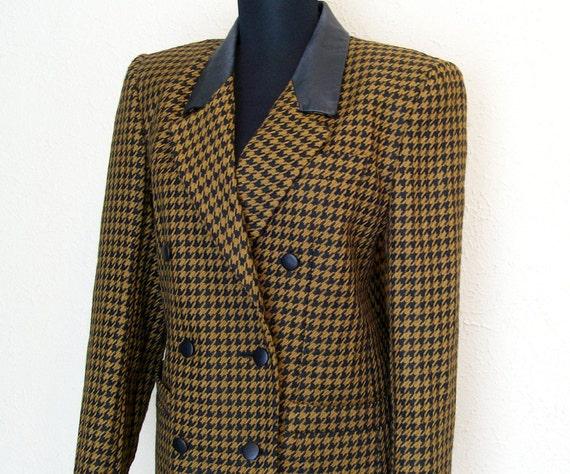 1970s Vintage Brown and Black Houndstooth Blazer by J. Gallery