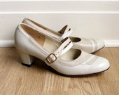 Vintage 1960s MOCHA CREAM Leather Mary Jane Heels 8 1/2
