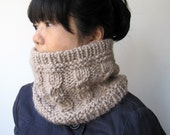 Chunky Cable Neck Tube in Linen